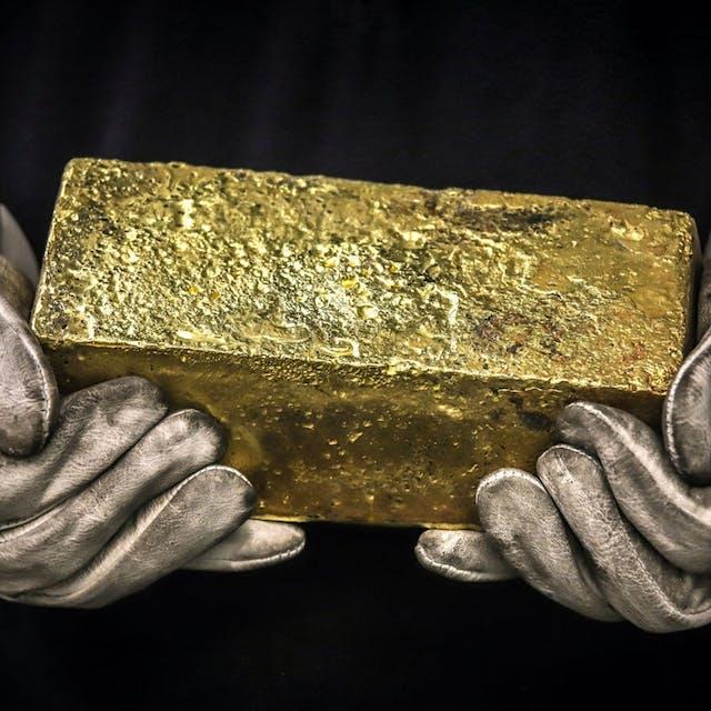 Goudprijs blijft net onder de $2000 na breken records