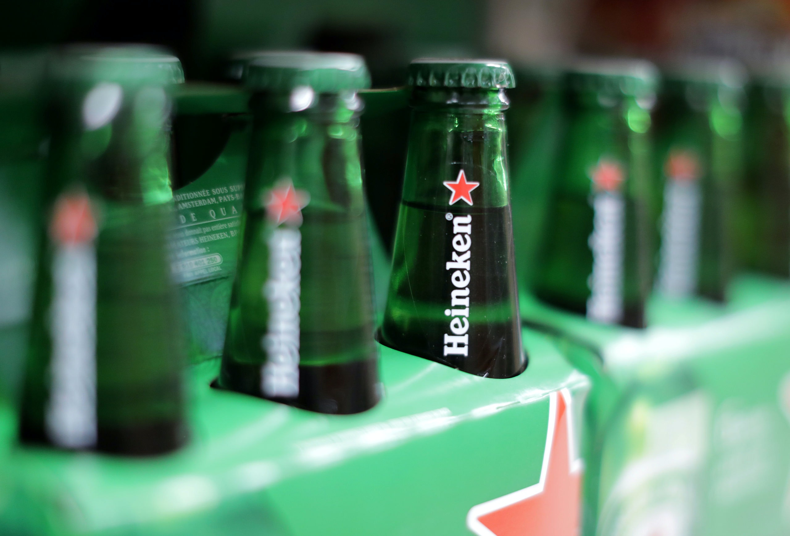 Packs of Heineken beer are displayed for sale in a Casino supermarket in Nice, France, January 16, 2017. REUTERS/Eric Gaillard - RC15706842E0