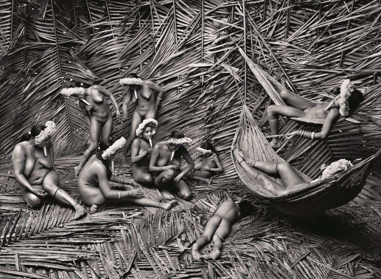 De Zo'é, in het Amazone-gebied. In de 16de eeuw beschreven jezuïeten een volk met kokers in hun onderlip. Pas eind jaren tachtig bleek dat dat geen fabeltje was.