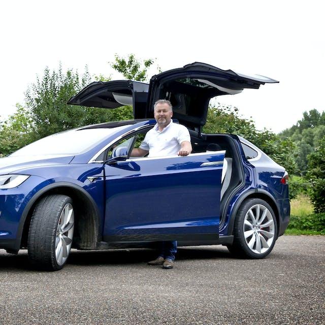 Nieuwe bijtellingsregels brengen Tesla-rijder aan het twijfelen