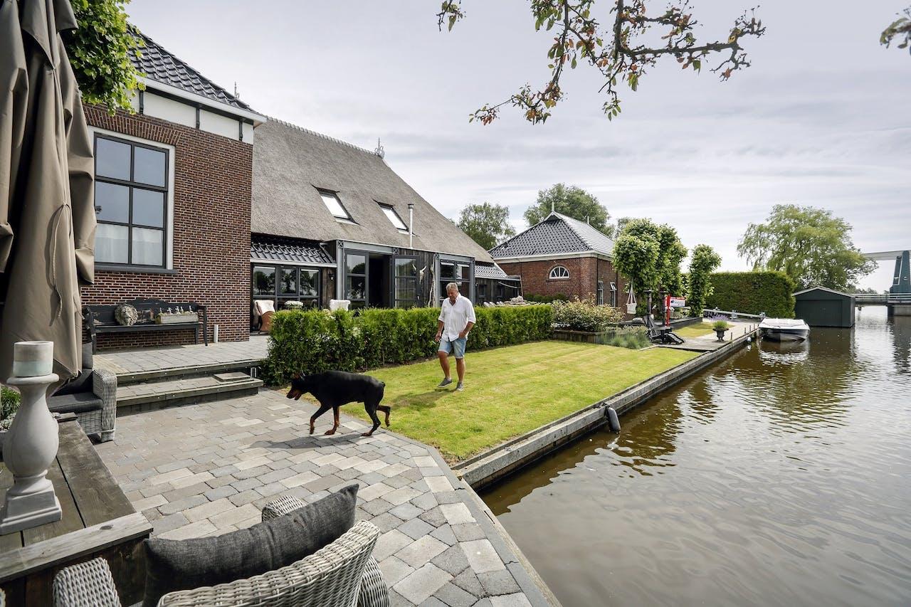 19de eeuwse woonboerderij in friesland het financieele for Huizen te koop friesland