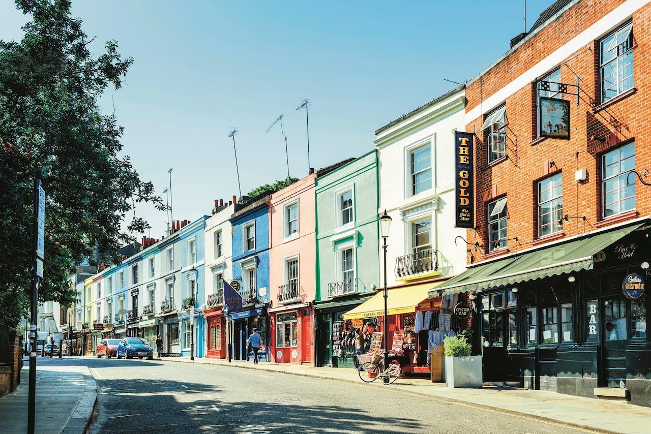 Portobello Road in de Londense wijk Notting Hill.