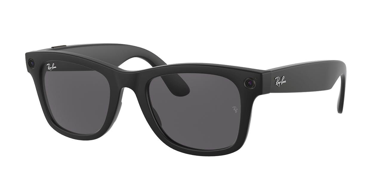 De slimme bril van Facebook en Ray-Ban, een merk van brillenconcern Essilor-Luxottica.