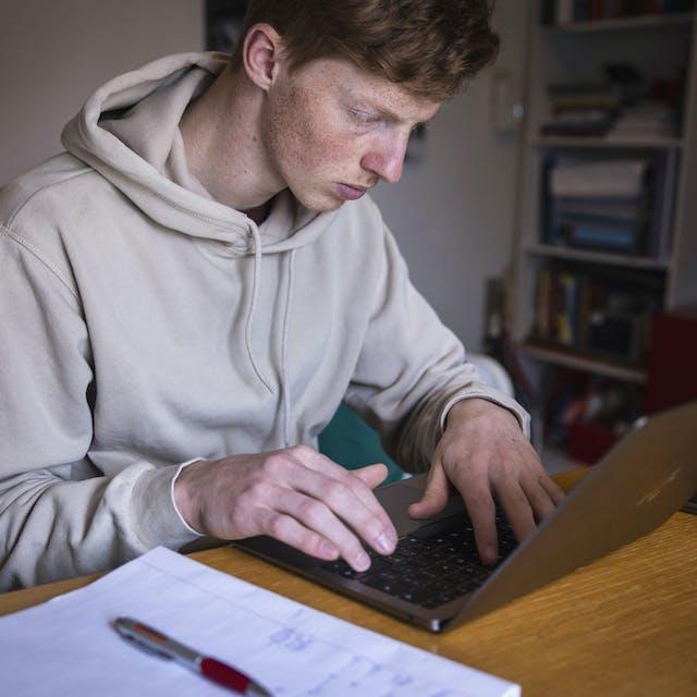 Erasmus Universiteit houdt vast aan tweede camera bij tentamens - Het Financieele Dagblad