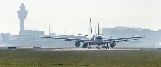 Schiphol is tot aan 2020 gebonden aan een plafond van 500.000 starts en landingen per jaar.