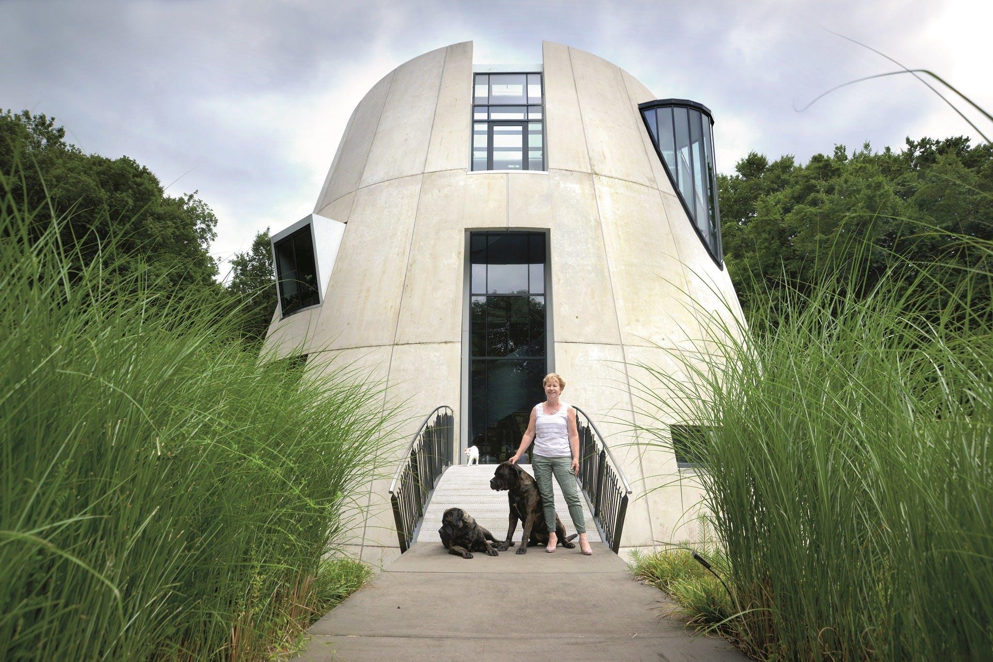 Futuristisch wonen midden in de natuur   Het Financieele Dagblad