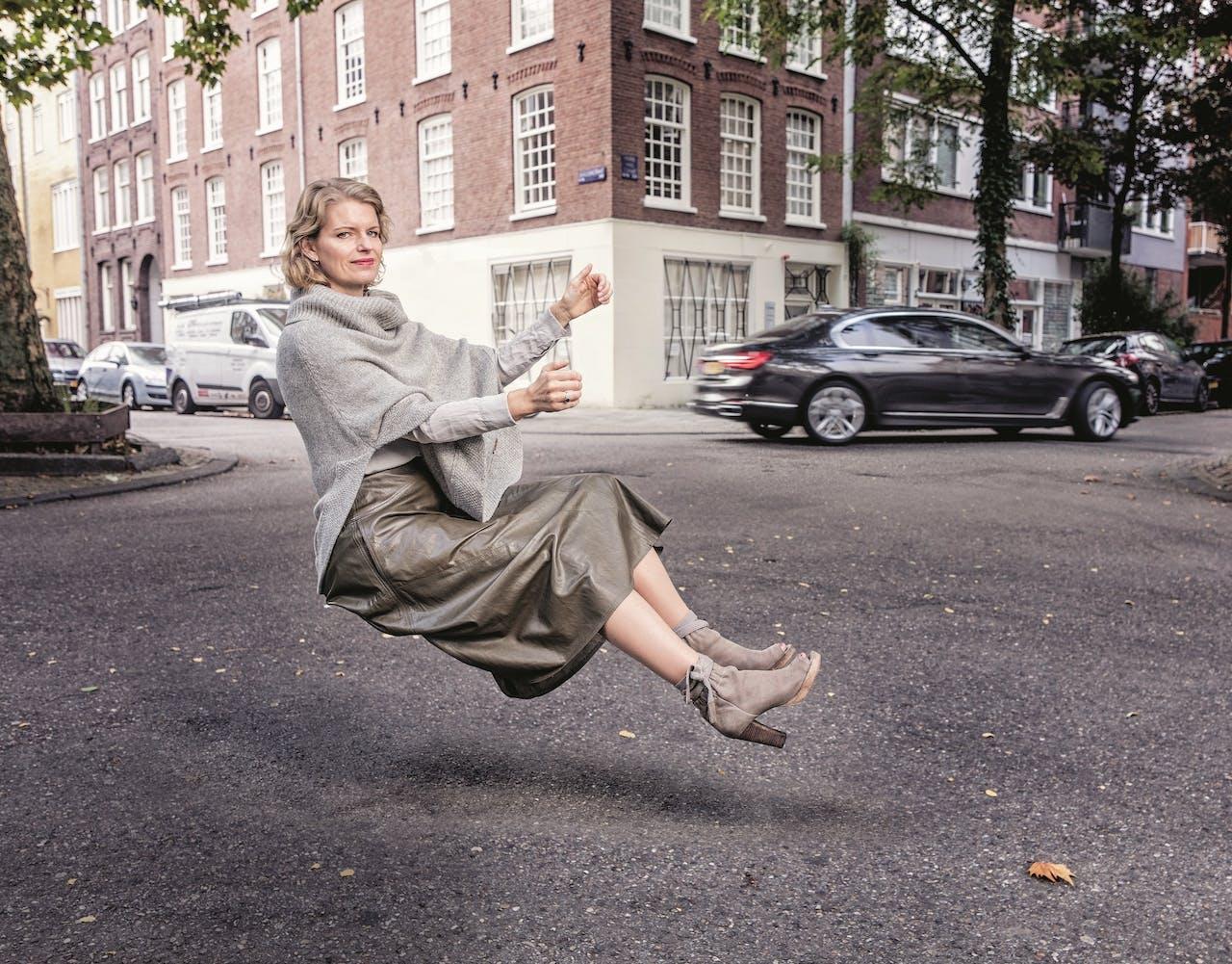 Karina Tiekstra: 'Ik begon al die stilstaande auto's in de straat steeds irritanter te vinden.'
