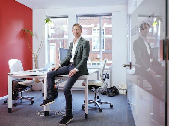 Matthijs Ingen-Housz, oprichter van kantoor Ingen Housz: zelfs grote namen zoals Ahold of Shell zie je tegenwoordig aankloppen bij de kleine specialist.