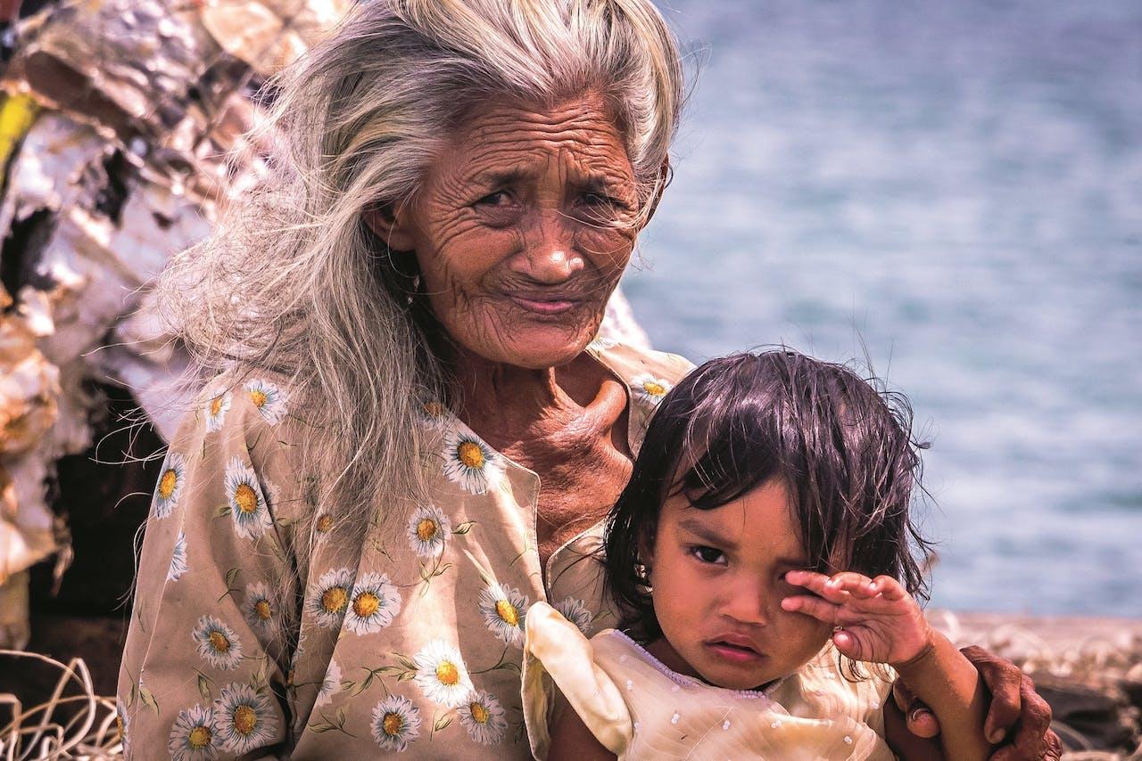 Alle generaties leven samen aan boord, of in één huis.