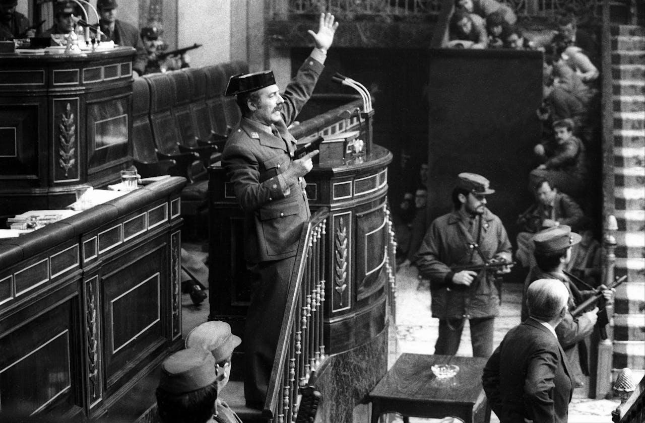 Antonio Tejero in het Spaanse Congres op 23 februari 1981.