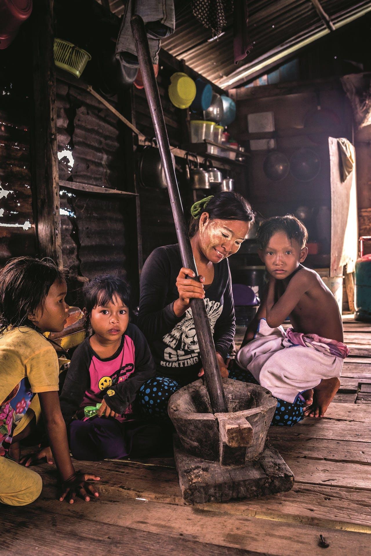 Traditioneel ruilen de Bajau vis tegen rijst, groenten en cassave.