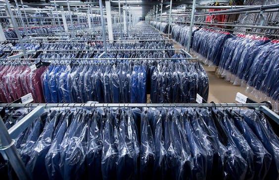Mieloo & Alexander legt zich toe op toelegt op voorraadbeheer, zoals voor SuitSupply.