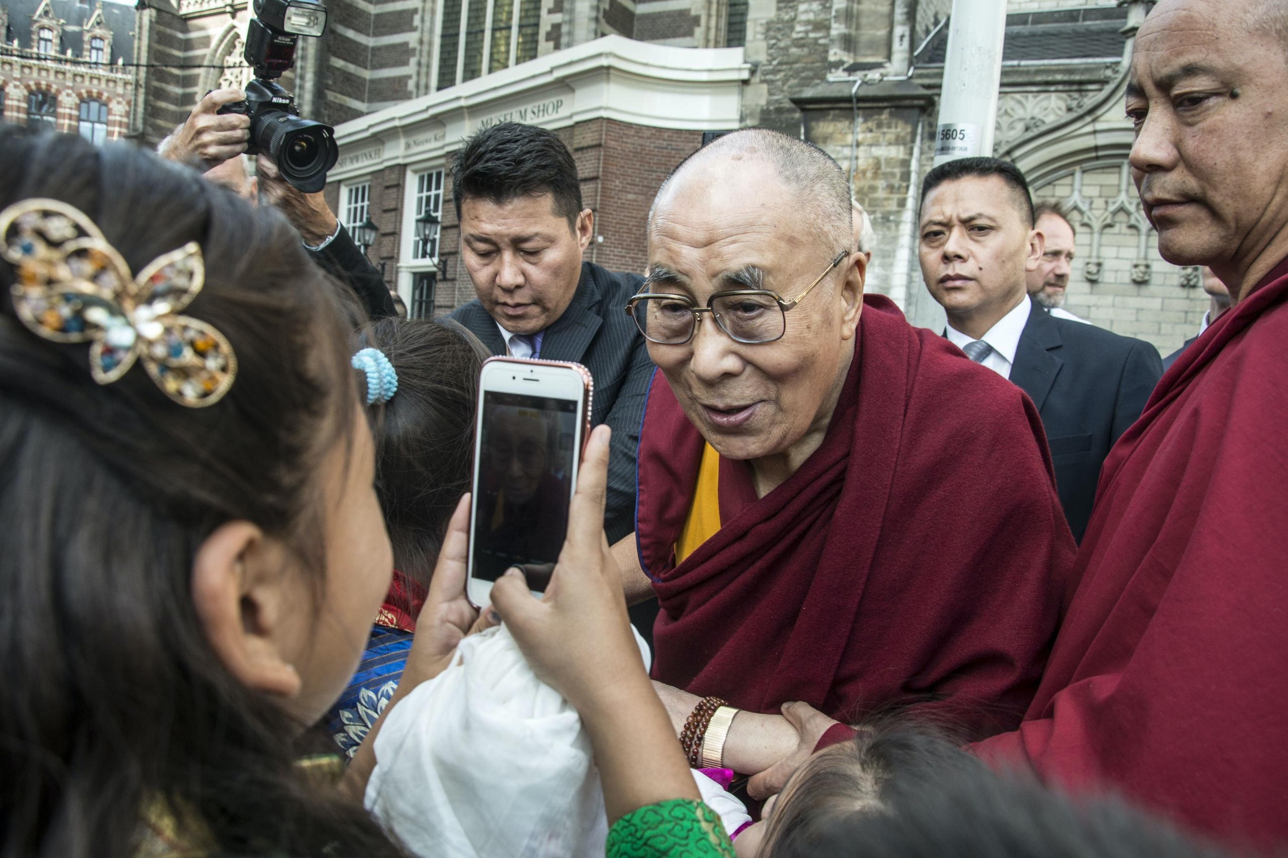 De Dalai Lama heeft zijn eigen app en 18,7 miljoen volgers op Twitter