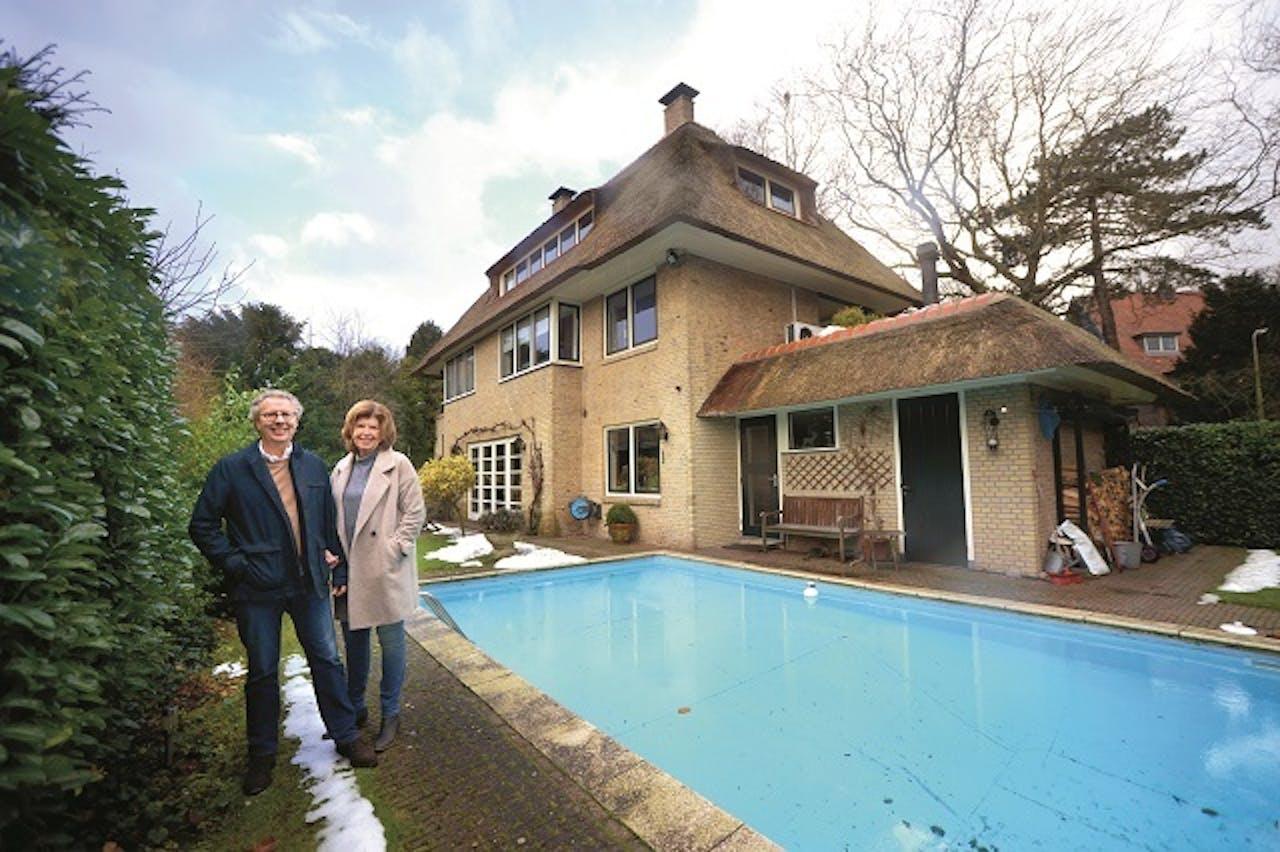 vrijstaand huis met een zwembad het financieele dagblad