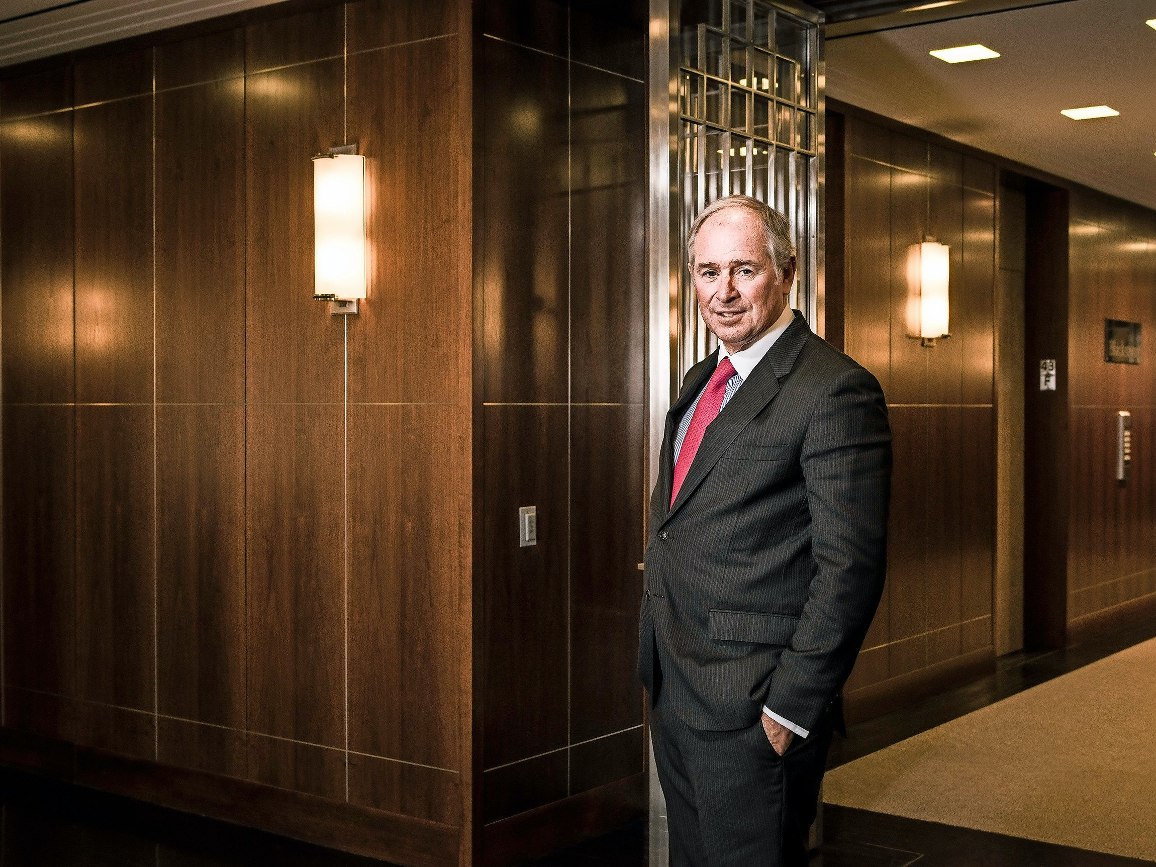 Blackstone Group's chief executive Stephen Schwarzman at the Blackstone offices in New York, Jan. 7, 2016. The long-running campaign by Schwarzman to get investors to pile into his stock was hurt on Jan. 28 when Blackstone reported a 70 percent decline in its core income for the fourth quarter. (Sasha Maslov/The New York Times)