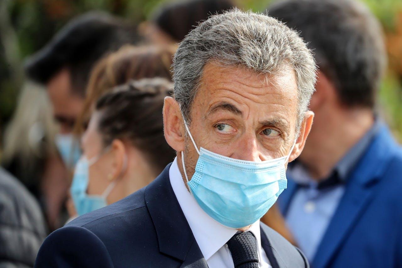 Voormalig president Sarkozy woonde 29 oktober een herdenkingsgelegenheid bij voor de moorden in Nice door een jihadistische Tunesiër.