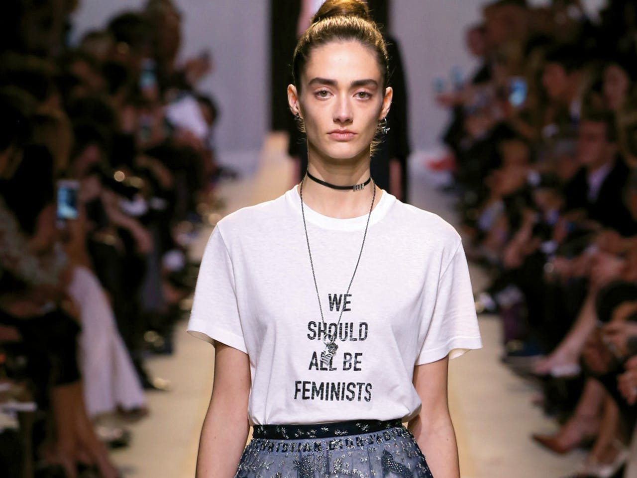 T-shirt 'We Should All Be Feminists'.