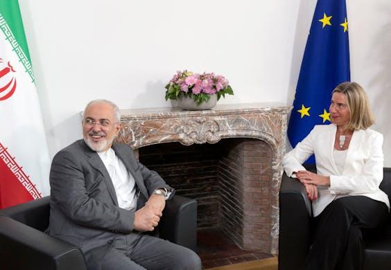 De Iraanse buitenlandminister Mohammad Javad Zarif en EU-buitenlandvertegenwoordiger Federica Mogherini.