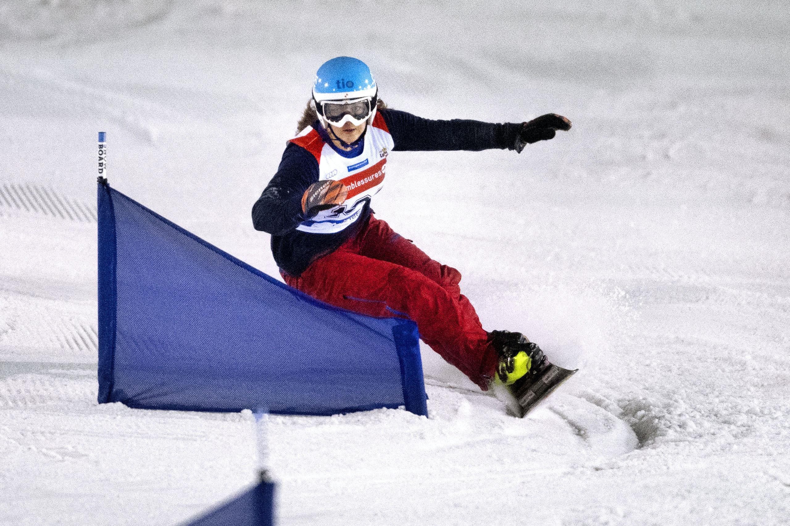 Landgraaf, 03-11-2016. Snowboardster Michelle Dekker in actie op het EK in SnowWorld in Landgraaf. Foto Olaf Kraak