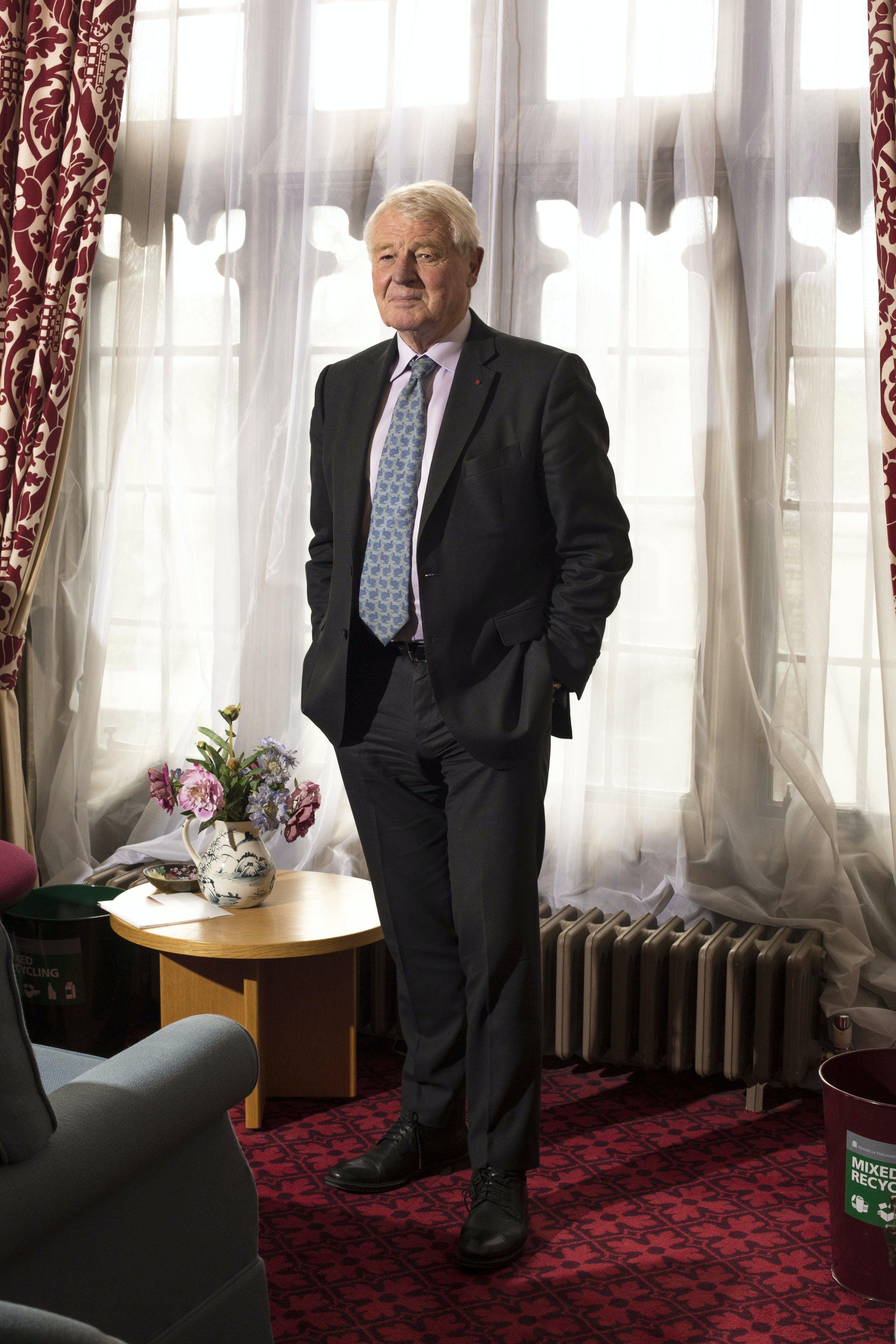 Paddy Ashdown zit namens de LibDems in het Hogerhuis.