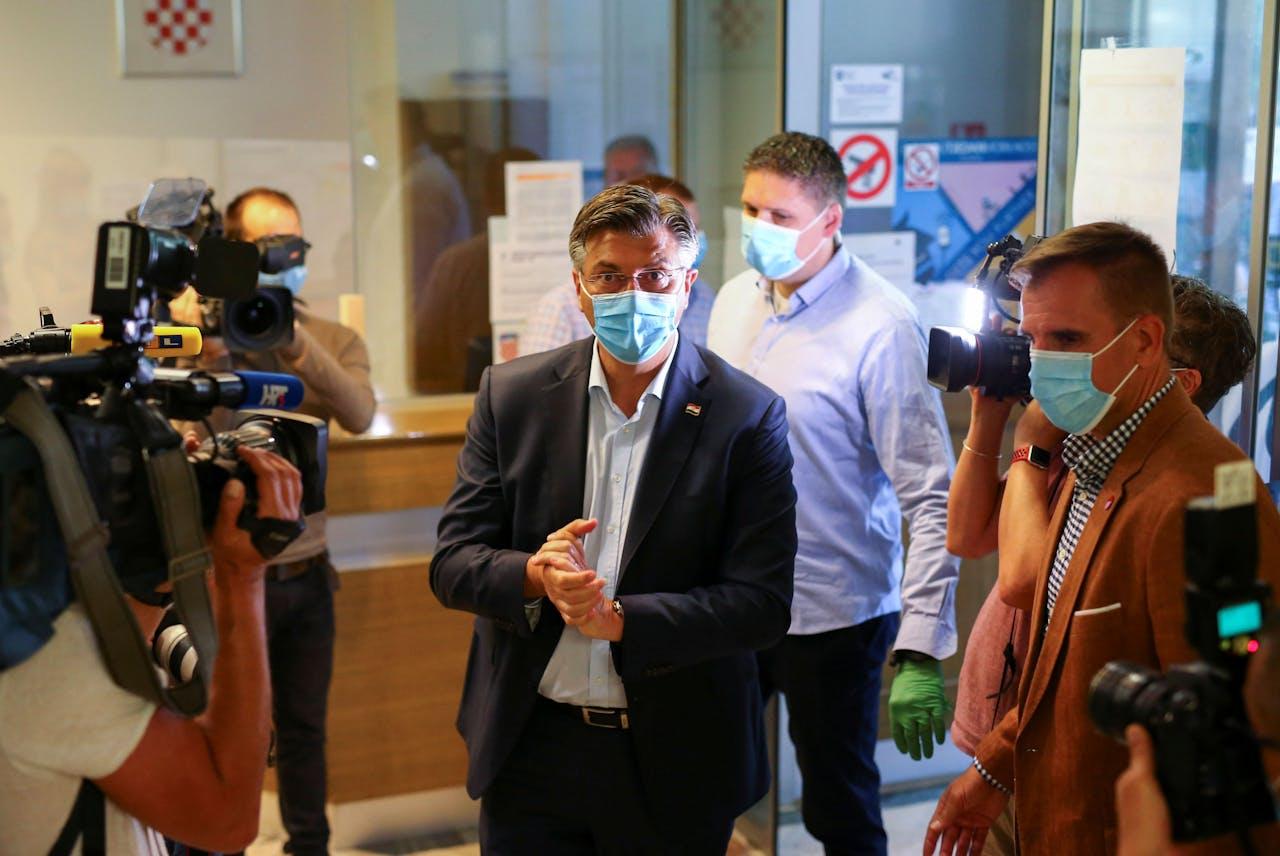 De Kroatische premier en HDZ-leider Plenkovic brengt zijn stem uit in Zagreb.