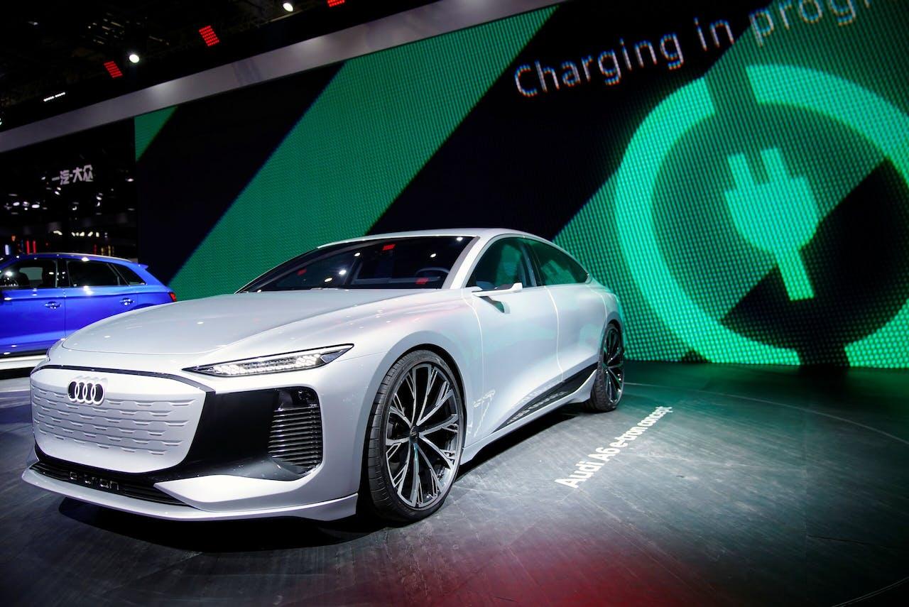 Nu nog CO₂-vriendelijker: een conceptexemplaar van de Audi A6 e-tron bij de autoshow in Sjanghai.