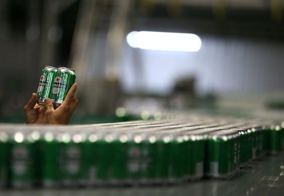 Heineken neemt een belang van 40% in de Chinese biermaker.