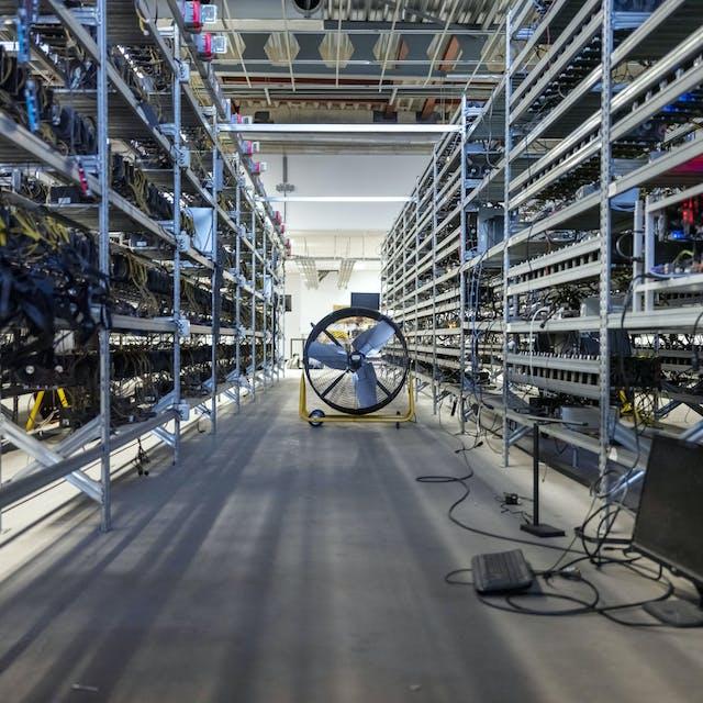 18:46 Doek valt voor de laatste Nederlandse cryptomijn - Het Financieele Dagblad