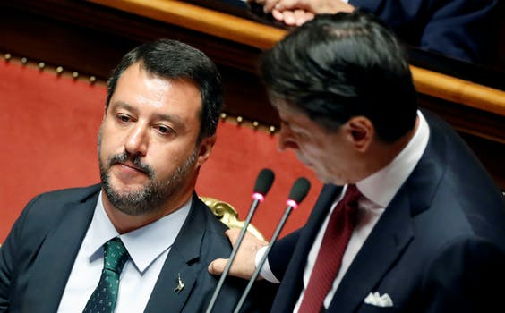 'Beste Matteo'. Premier Conte spreekt Lega-leider Matteo Salvini toe.
