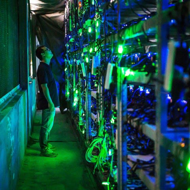 China pakt het delven van bitcoin aan, koers schiet omhoog - Het Financieele Dagblad