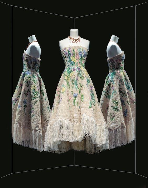 Chiuri's versie van Diors Robe Essence d'herbier.