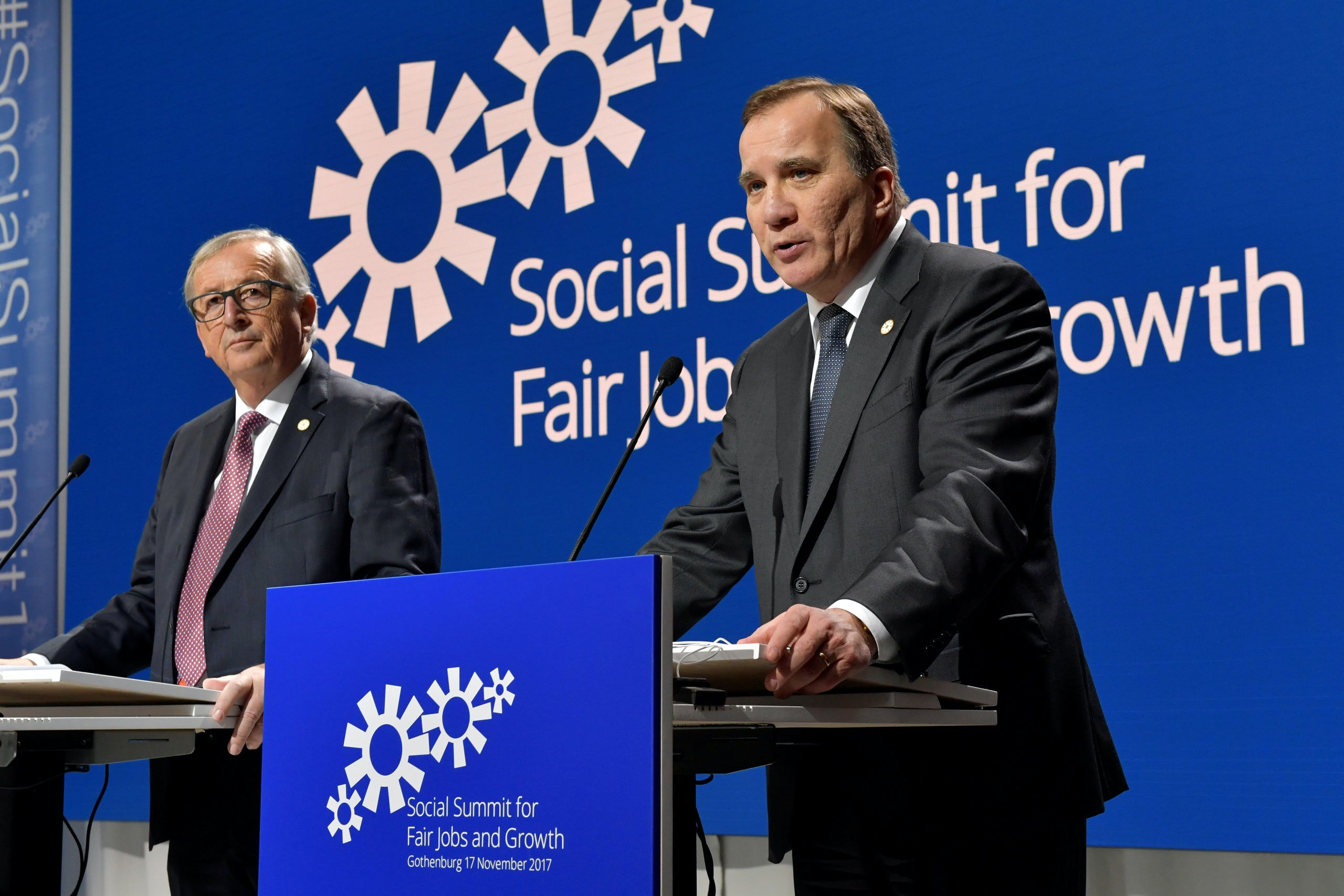 European Commission President Jean-Claude Juncker and Swedish Prime Minister Stefan Lofven during the EU Social Summit for Fair Jobs and Growth in Gothenburg, Sweden, November 17, 2017. TT News Agency/Jonas Ekstromer/via REUTERS ATTENTION EDITORS - THIS IMAGE WAS PROVIDED BY A THIRD PARTY. SWEDEN OUT. NO COMMERCIAL OR EDITORIAL SALES IN SWEDEN.