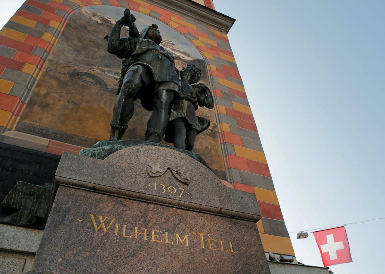 Het standbeeld van Wilhelm Tell en zijn zoon Walter in Altdorf.