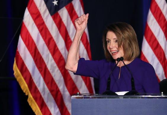Nancy Pelosi vierde vannacht al vroeg de winst van de Democraten in het Huis van Afgevaardigden. Als zij de fractie blijft leiden, zal ze de komende tijd de meest zichtbare politieke tegenstander van president Donald Trump zijn.