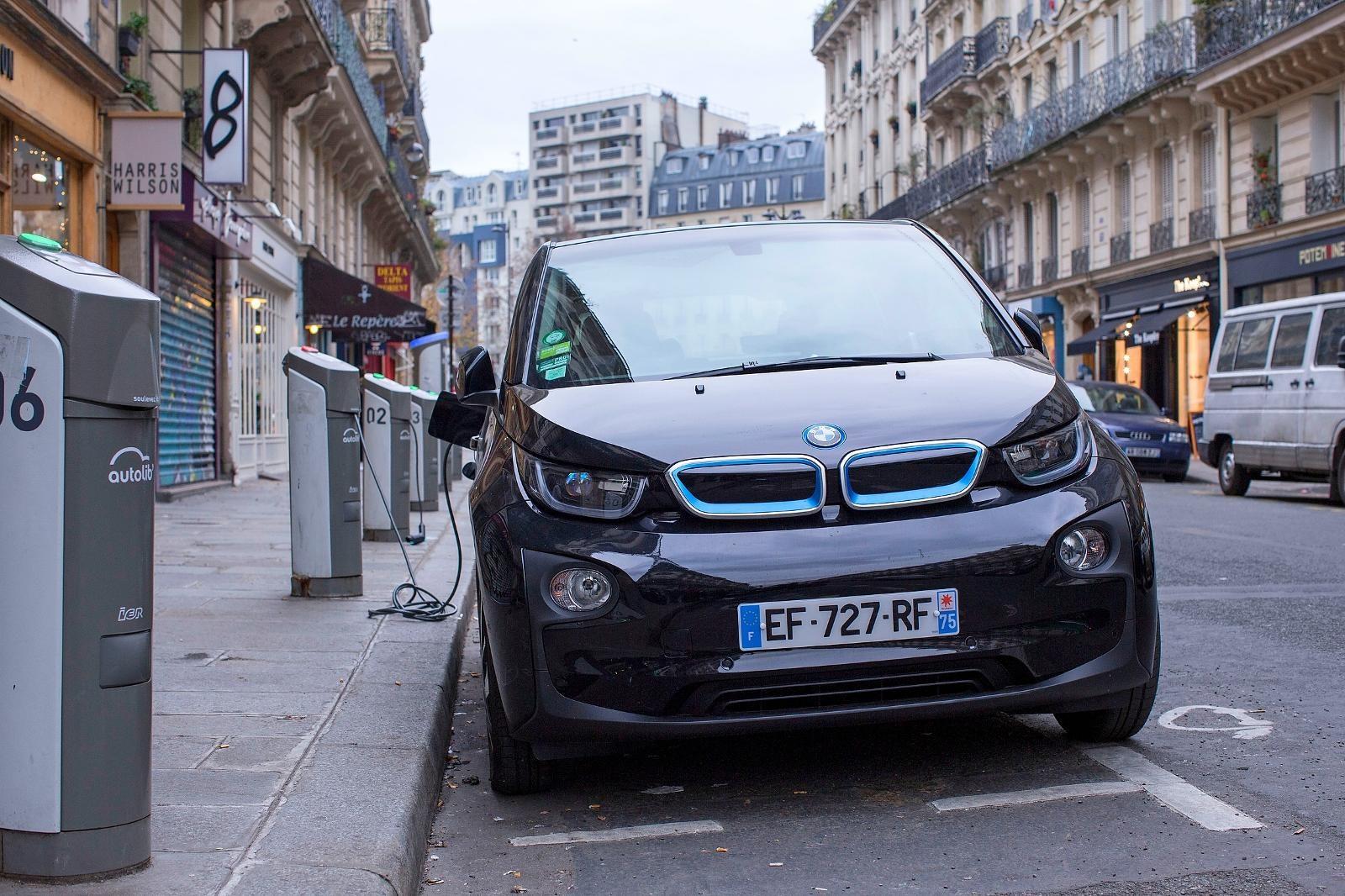Duitse Fabrikanten Schieten Nog Niet Op Met Elektrische Auto