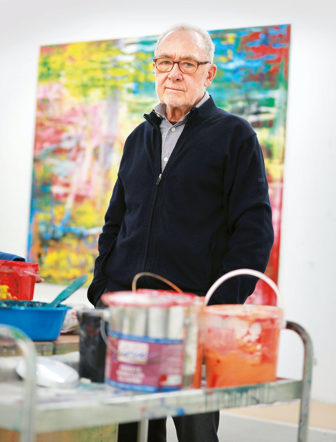 Gerhard Richter in zijn studio in Keulen. Hij werd op 9 februari van dit jaar 85. (Foto: Hollandse Hoogte)