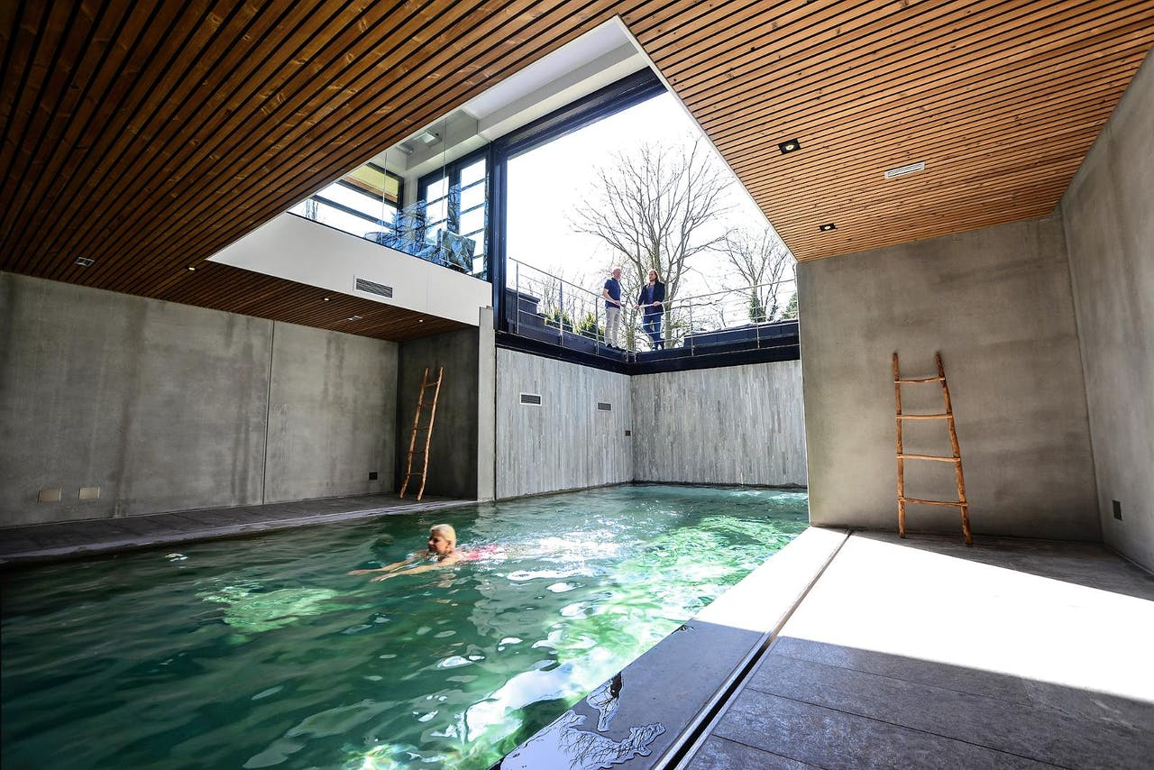 Baas in eigen bad het financieele dagblad for Binnenzwembad bouwen