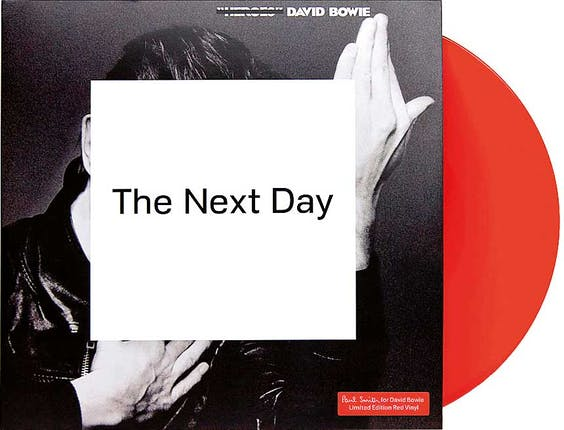 Paul Smith ontwierp in 2013 de albumhoes van Bowies 'The Next Day'.