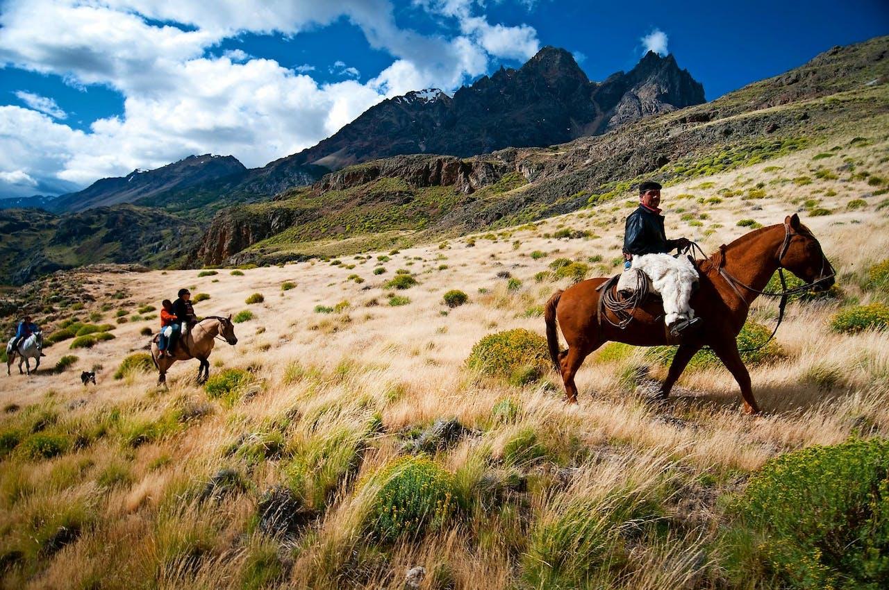 Paardrijden in de Andes (foto: Corbis).