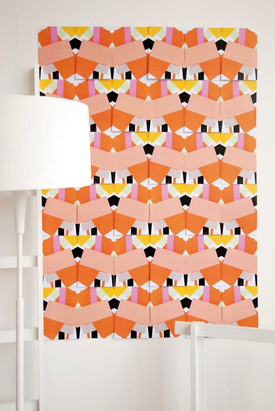 'Temporary Tapestry' lijkt een puur digitaal product, maar het patroon is handmatig tot stand gekomen.