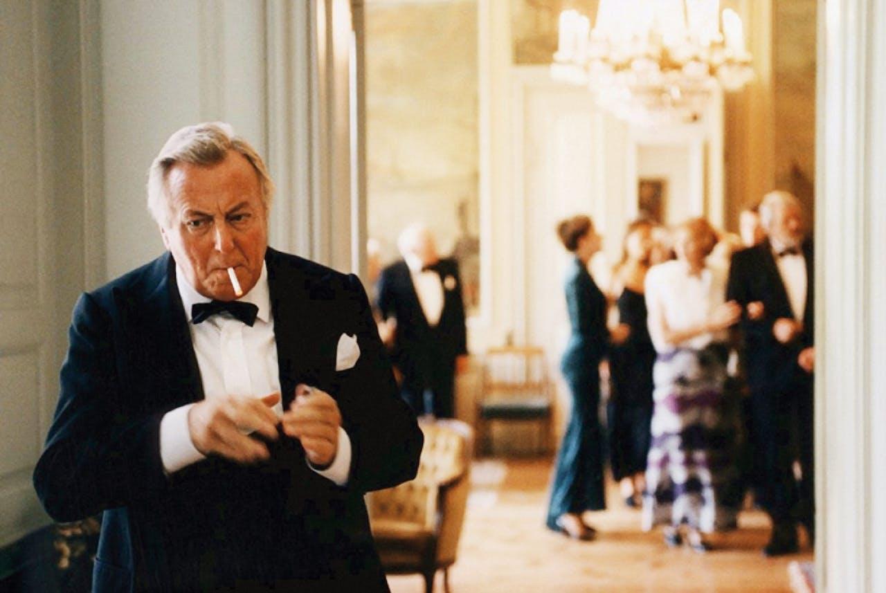 In de Deense film 'Festen' (1998) viert de pater familias zijn zestigste verjaardag. Hij weet nog niet dat het familiefeest zal uitlopen op een drama.