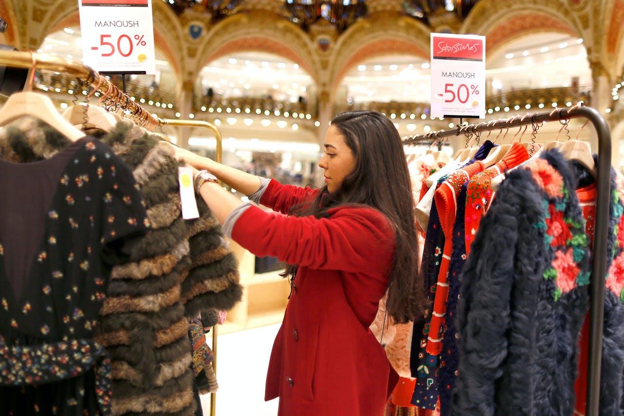 Franse Winkelketens Willen Uitverkoop Redden