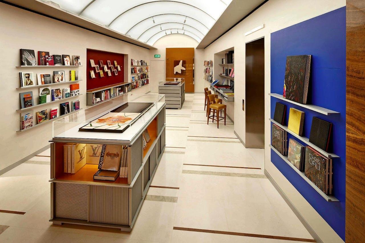 De 'Library' in de Louis Vuitton-winkel in Londen.