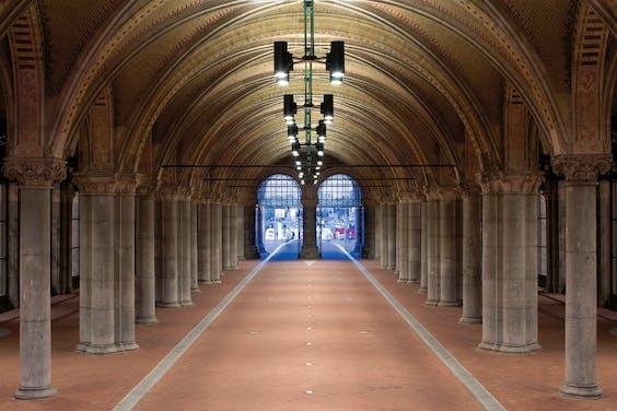 Fietstunnel onder het Rijksmuseum in Amsterdam.
