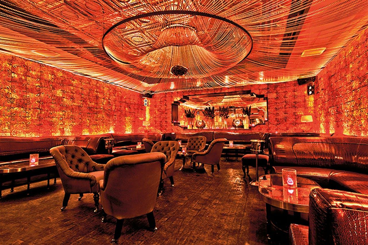 Dineren in restaurant Beauty & Essex in New York.