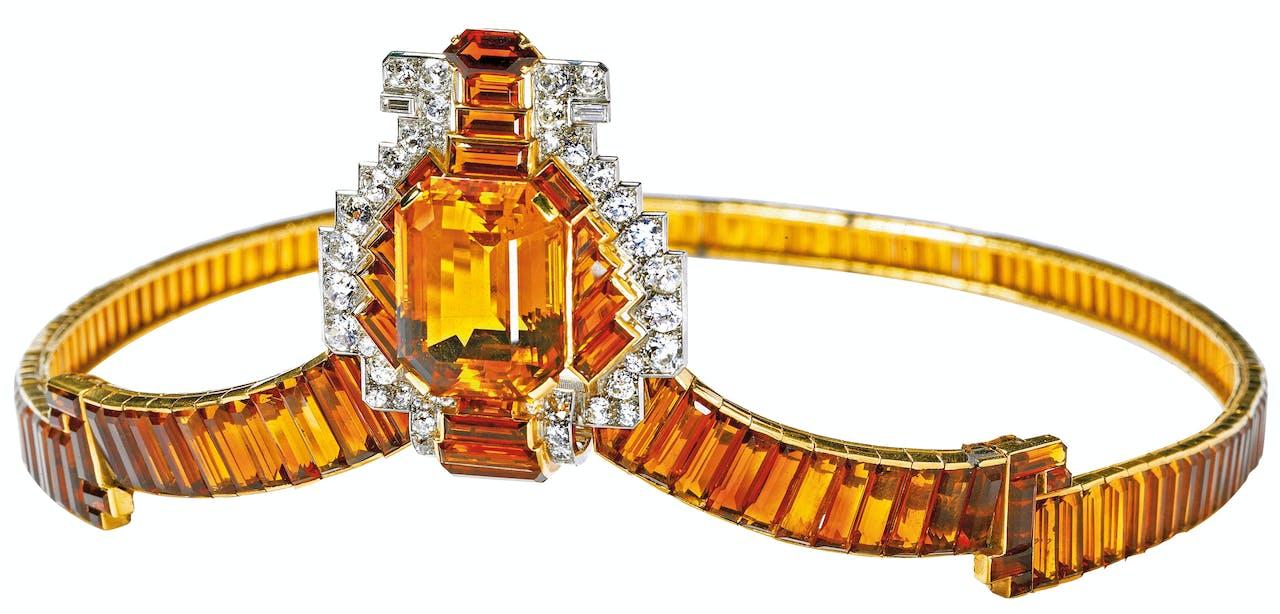 In 1937 gaf King George VI Cartier de opdracht 27 tiara's en andere decoraties te vervaardigen voor zijn kroning, waaronder deze tiara,