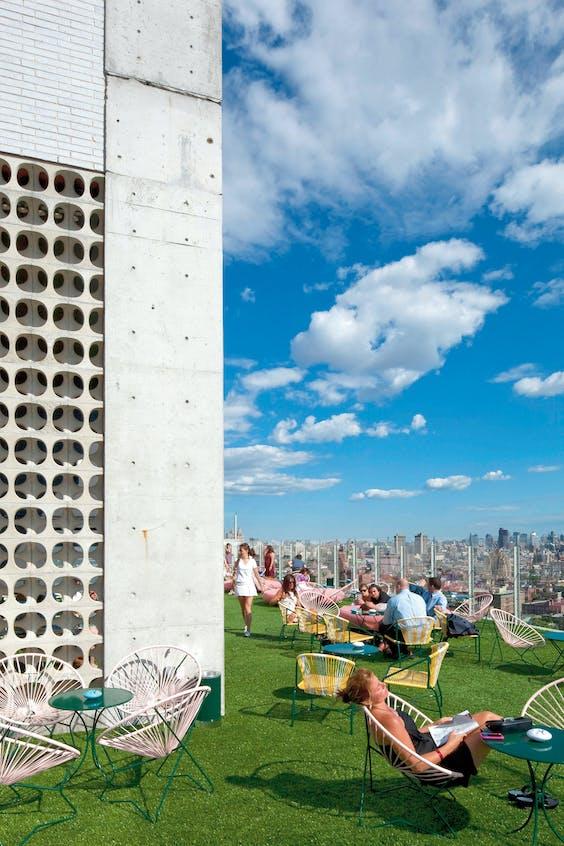 Terras van The Standard High Line in New York.