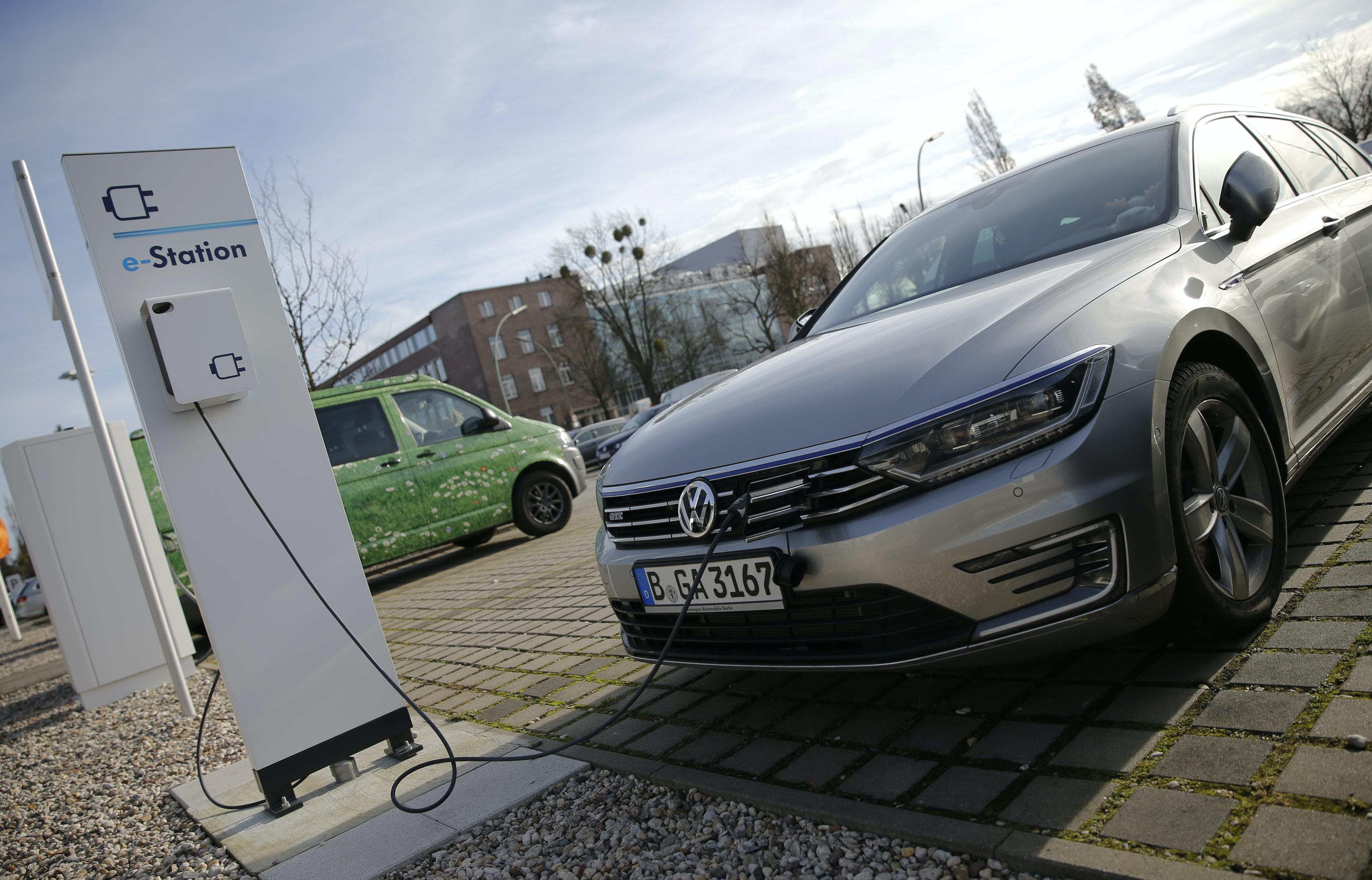 Duitsers Krijgen 4000 Korting Bij Koop Elektrische Auto
