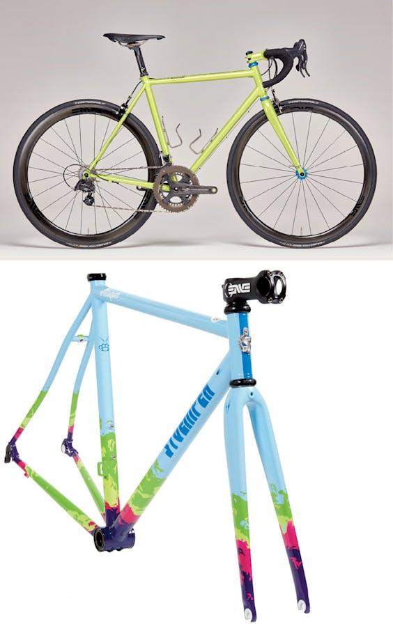 Boven: fiets van het Noord-Brabantse Joris Cycles. Onder: frame van Stoemper. (Foto's: Jeroen van der Wielen)