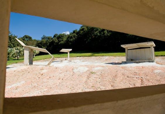 'Desert park' (2010) van Dominique Gonzalez-Foerster in Park Inhotim.